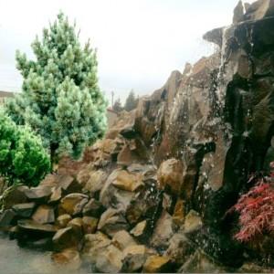 водопад-стіна (вис.2.5 м - шир.6м)